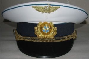 Summer cap of the Civil Aviation Ministry's flying crews, featuring a new headgear badge M1965,Soviet Union, Replica1