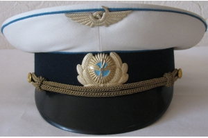 Summer cap of the Civil Aviation Ministry's flying crews, featuring a new headgear badge M1965,Soviet Union, Replica